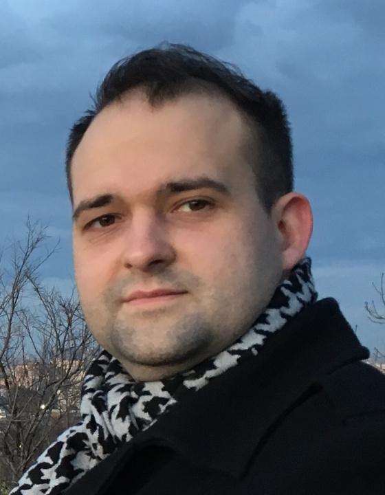 Р. Николай