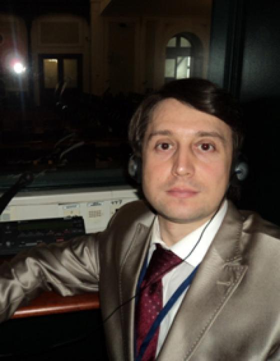 В. Николай